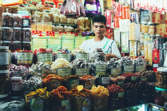 7 Tips To Help You Successfully Negotiate At Bến Thành Market, Hồ Chí Minh City